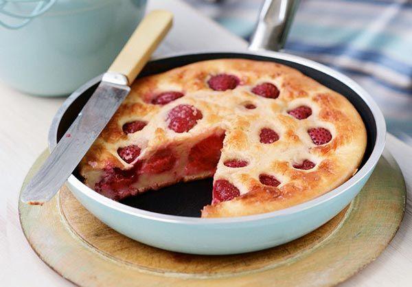 Clafoutis aux fraises Weight watchers, une recette légère à base de fraise, facile, simple et rapide à préparer pour un dessert.