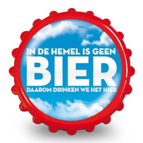 Bieropener in de hemel  Bierdop Flesopener met de tekst: In de hemel is geen bier daarom drinken we het hier. Erg leuk als kado voor een verjaardag! De flesopener heeft twee magneten aan de binnenkant waardoor je deze makkelijk aan de koelkast kan bevestigen. De flesopener heeft een diameter van 8 cm.  EUR 2.99  Meer informatie  #sinterklaas #zwartepiet