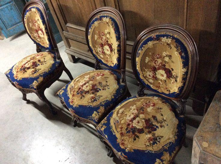 6 mooie gestoken antieke stoelen .. te koop bij medussa Heist op den berg