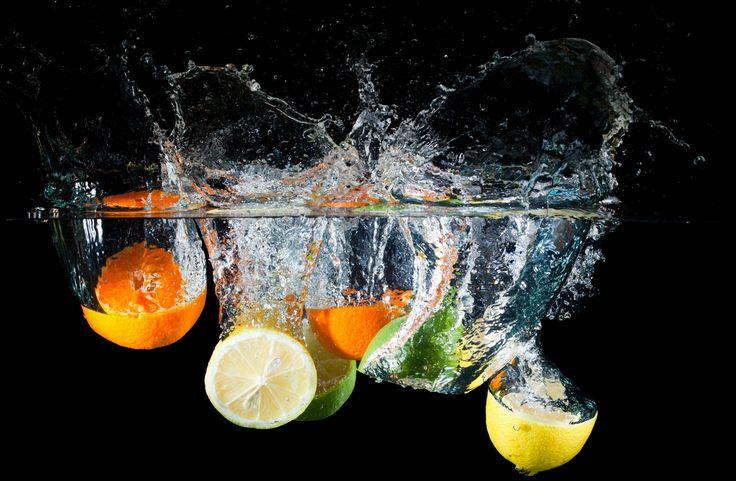 Скачать обои цитрусы, вода, брызги, лимон, лайм, раздел разное в разрешении 3200x2092
