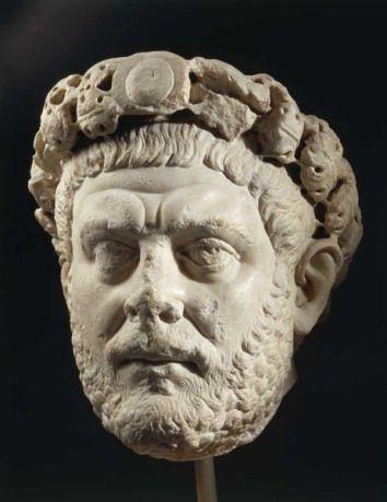 Ritratto di Diolceziano; fine III secolo (284-305) d.C.; marmo; da Nicomedia; Museo Archeologico, Istambul.