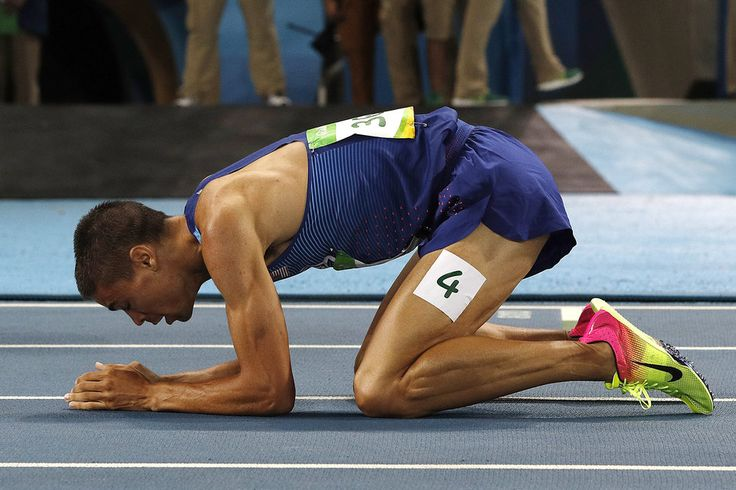 Matthew Centrowitz Becomes First American To Win 1500-Meter Since 1908