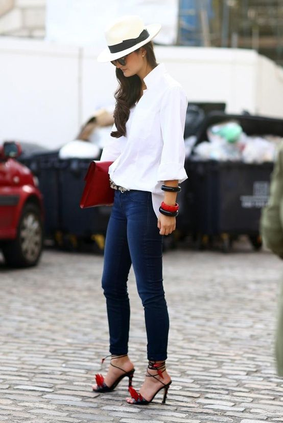 Peony moment! the right white shirt and jeans just does so much without even trying. nice. #PeonyLim