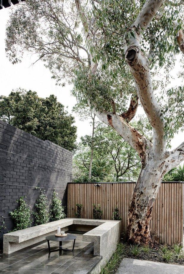 La création d'extensions aux maisons traditionnelles est une pratique répandue en Australie. Les propriétaires de la maison « The Elwood House » ont fait a