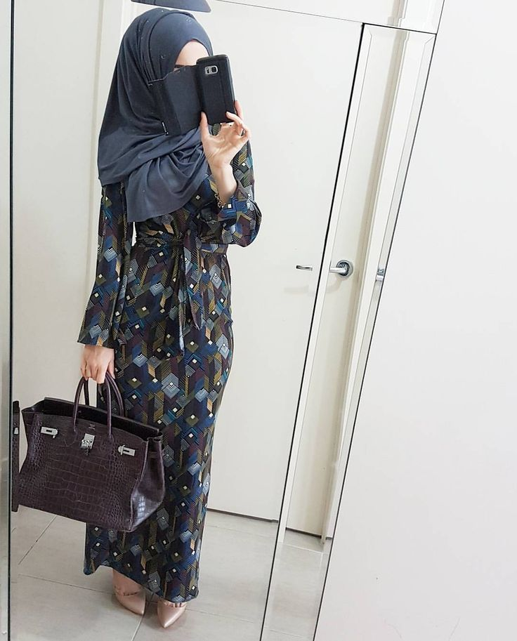 "1,328 Likes, 15 Comments - @hijabrevivalofficial on Instagram: ""@poplook Yudita Column Maxi Dress and jersey hijab  I am loving Poplooks latest designs. Just…"""
