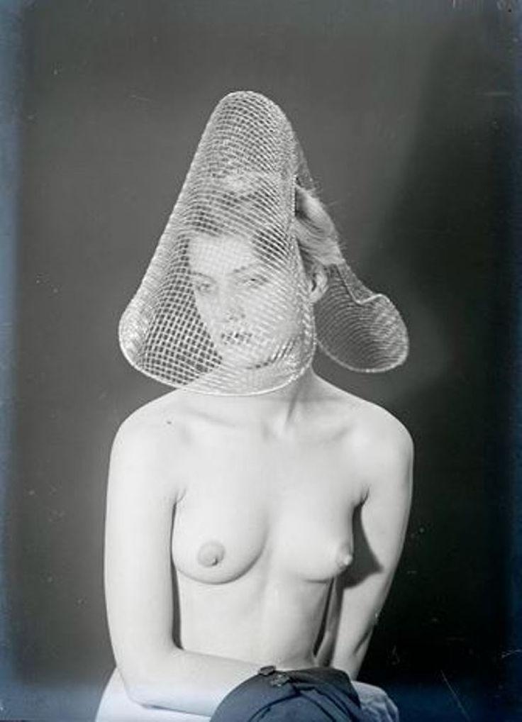 man-ray2-lee-miller-vers-1930-via-rmn.jpg (740×1024)
