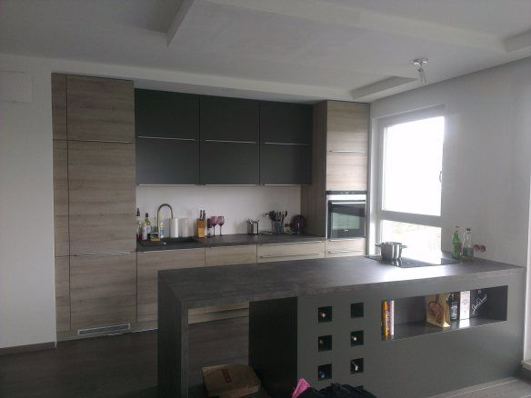 Graphite and wood - kitchen design by Diana Hołod