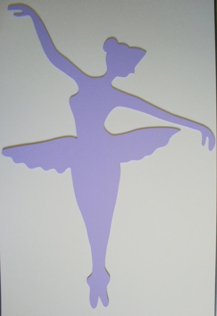 Escultura Bailarina. MDF de 3mm.