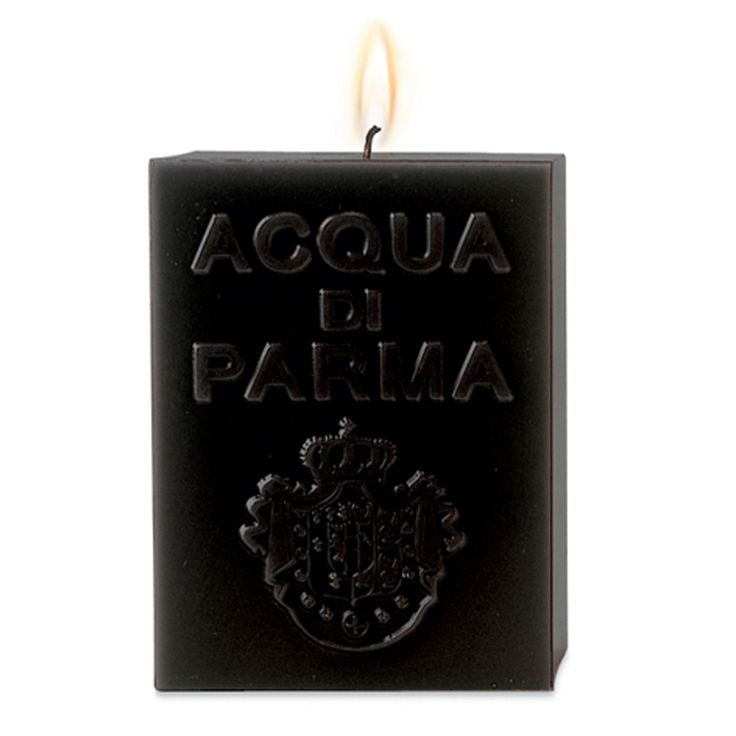 Each Acqua di Parma Cube Candle is carefully hand crafted in Italy using the highest quality natural waxes, fragrances and cotton wicks to ensure a clean burn. A master craftsman is responsible for the creation of the candle from start to finish, a process which requires 24 hours to complete. These luxurious, hand crafted masterpieces are ideal for relaxing at home or while entertaining guests. Now reformulated, complete with new packaging designed to protect the candle exterior. Dual…