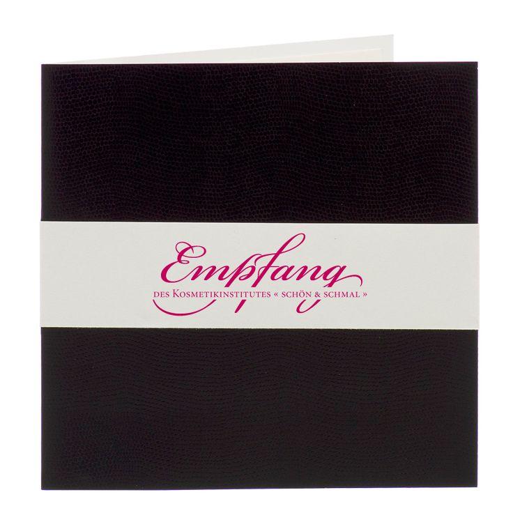 """Einladungen """"Eröffnung"""" in edler schwarzer Schlagenhaut-Optik mit Banderole bestellen."""