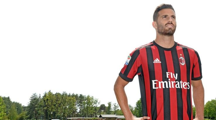 Villarreal on Tuesday announced the transfer of defender Mateo Musacchio to AC Milan for around 18 million euros ($20 million) with the Argentine having signed a four-season contract with the seven-time European football champions.   #AC Milan #Mateo Musacchio #Serie A #Villarreal CF