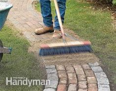 Make a simple garden path from recycled pavers or cobblestones set on a sand bed. Learn all the details of path building, from breaking cobblestones to easy, fast leveling using plastic landscape edging.