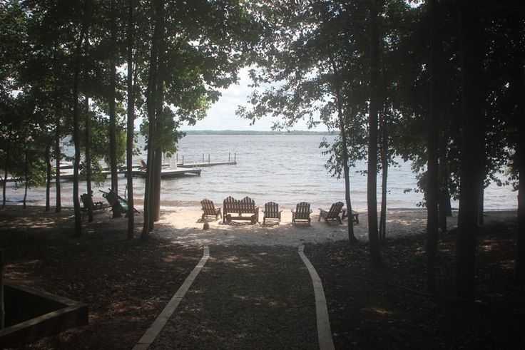 Lake Anna Vacation Rental - VRBO 3594136ha - 4 BR Central Virginia House in VA, Lakefront Property with Lots of Privacy