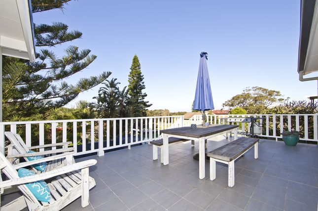 Shells on the Shore Holiday Accom, a Nelson Bay Apartment | Stayz