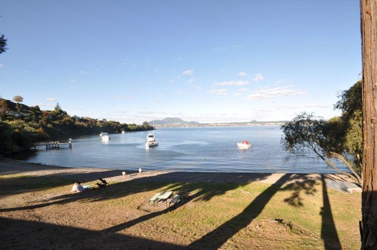 Lake Front Acacia Bay, Luxury Apartment in Lake Taupo, New Zealand | Amazing Accom