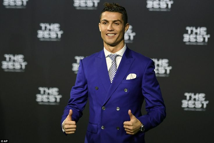 Ronaldo flashed his signature thumbs up at the cameras as he prepared for the night which saw him win another award