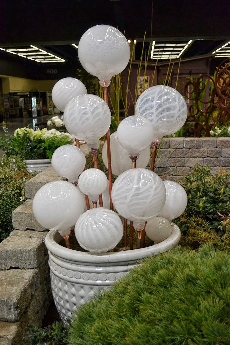 The Outlaw Gardener: Northwest Flower and Garden Show - More of Those Great Display Gardens. Blown Glass Balls