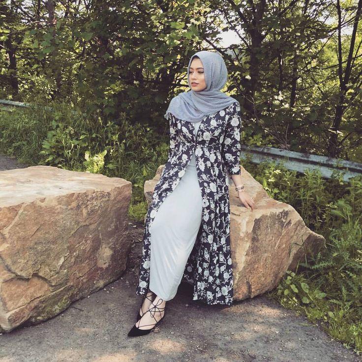 Pinterest: @eighthhorcruxx. Abaya, floral cardigan and lace up flats
