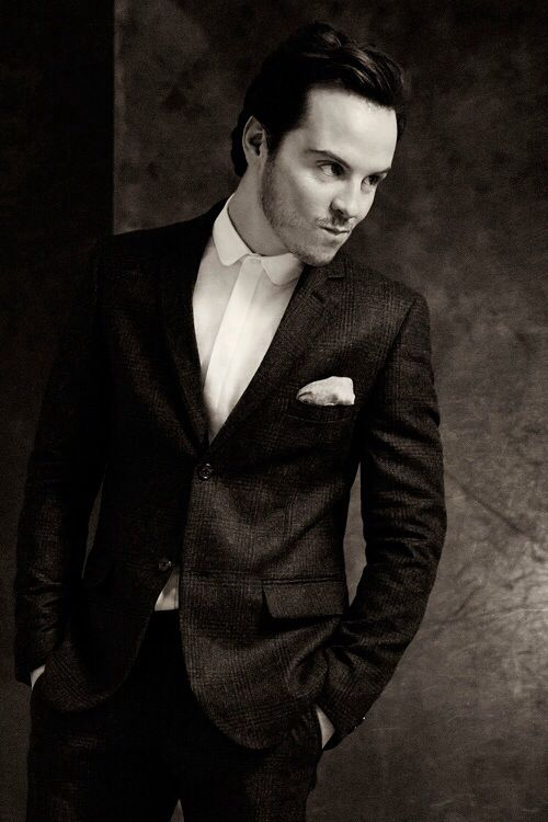 Andrew Scott is gorgeous holy snike