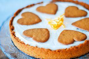Pepparkakscheesecake med apelsin // VEGAN // Kakbotten: ca 30 pepparkakor (jag använde färdigköpta – annas) 75 gram mjölkfritt margarin Fyllning: 1 frp cream cheese (tofutti creamy smooth) 350 gram silkestofu 1 tsk citronjuice rivet skal av en halv apelsin 1 msk pressad apelsin 1,5 dl florsocker 1 tsk vaniljsocker (ev någon tsk agar-agar om man vill ha kakan fastare)