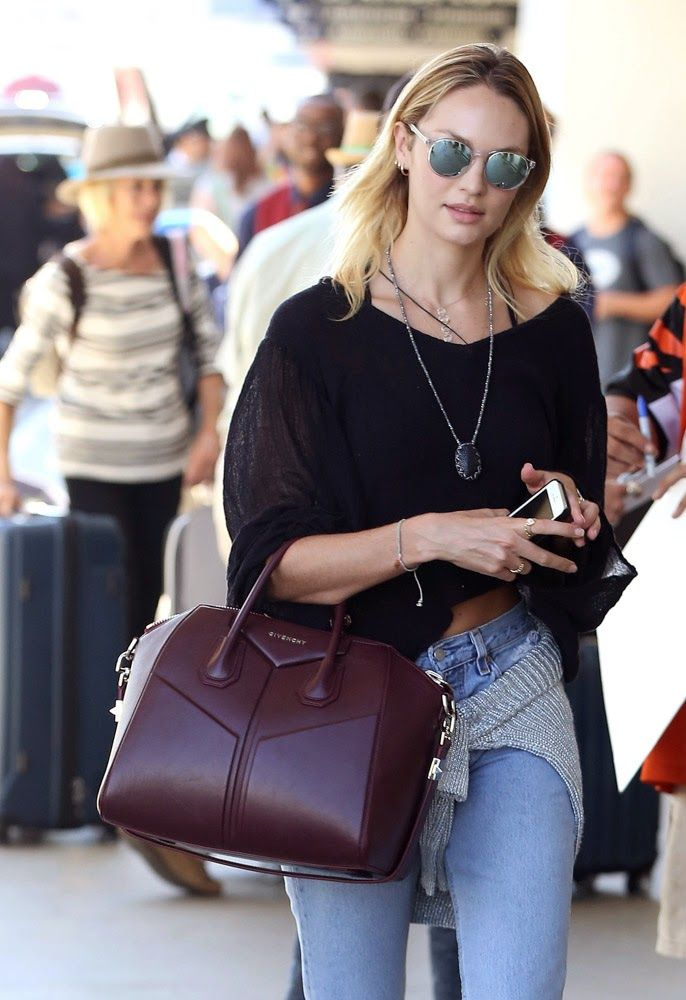 10 Photos Of Celebrities Which Proves That Channel Bag Is Best In The World Women
