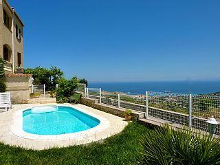 Appartement+rez+de+villa+proche+d'Ile+Rousse+++Location de vacances à partir de Santa Réparata di Balagna @homeaway! #vacation #rental #travel #homeaway