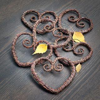 Instagram photo by finntwigs - Twighearts. #heart #sydän #hjärta #birchtwig #koivurisu #risutyö #björkris #risusydän #handmade #käsityö #herz #cuore #handicraft #naturecraft #Birk #90keltaista