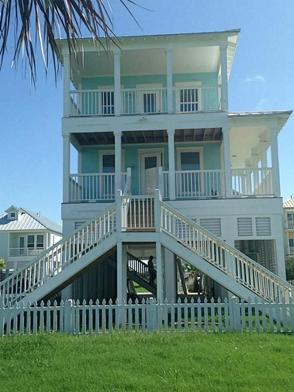 House has 4 covered decks 3 bedrooms have their own decks which