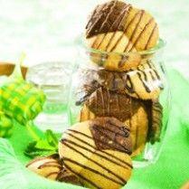 BISKUIT KACANG TIGA RASA http://www.sajiansedap.com/mobile/detail/7519/biskuit-kacang-tiga-rasa