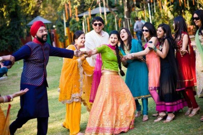 A Delhi Wedding that screams fun : Sana and Karan !