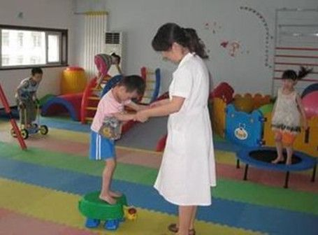 Due to some injuries in cerebellum or other reasons, cerebellar ataxia patients are bothered by the muscular hypotonia and coordination disorder of voluntary movement. The uncertainty of the causes lead to none cure for cerebellar ataxia yet. However, it does not mean that there' re no treatments to reduce the symptoms, improve patients' life quality and enable them have a meaningful life. The treatment system for cerebellar ataxia patients roughly consisting of surgical operation and…