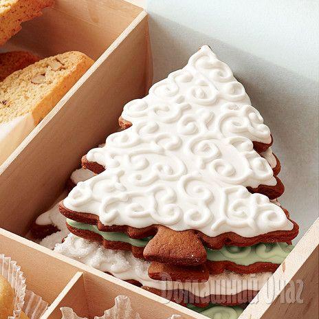 Имбирное печенье удобно хранить в банке, переложив слои бумагой.