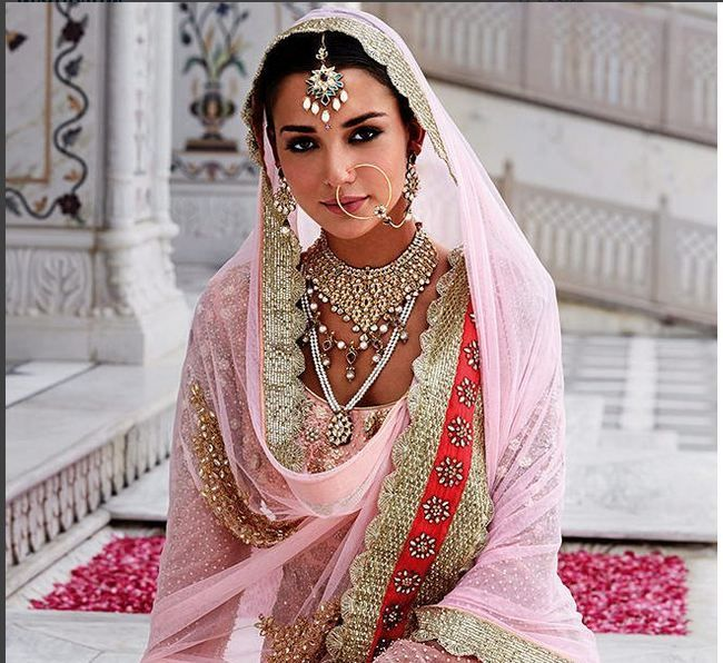 Beautiful bride looking so beautiful in this pink Bridal attire. Pink girl's love to wear. Looking for good bridal outfits? Try this pink once.