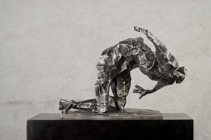Mateusz Sikora, 098 Bez tytułu, 2013, stal nierdzewna spawana, 55 x 82 x 86 cm