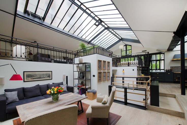 Les 25 meilleures id es de la cat gorie location loft for Photo de loft renover