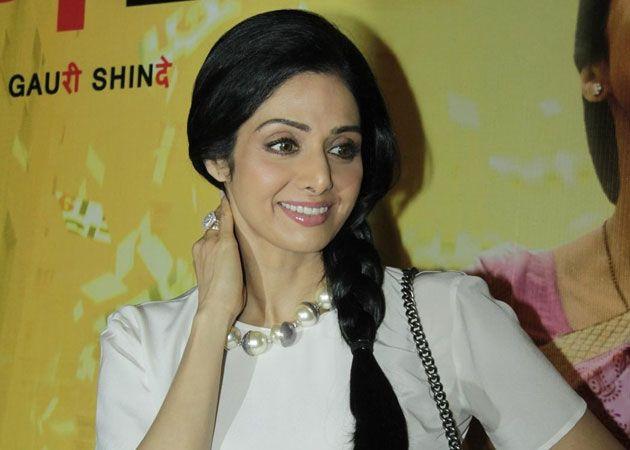 Sridevi to promote English Vinglish on KBC 6: Amitabh Bachchan, Sweatlin Sha, Actresses Sridevi, Ndtv Movie, Things Entertainment, Promotion English, Shared Screens, Desi Boyz, English Vinglish