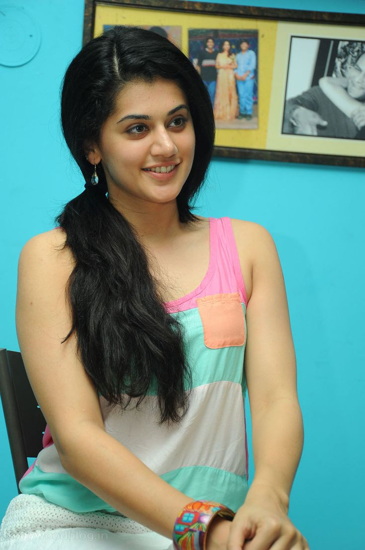 tapsee hot photo