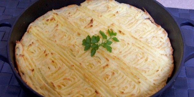 Hakket oksekød med kartoffelmos i ovn