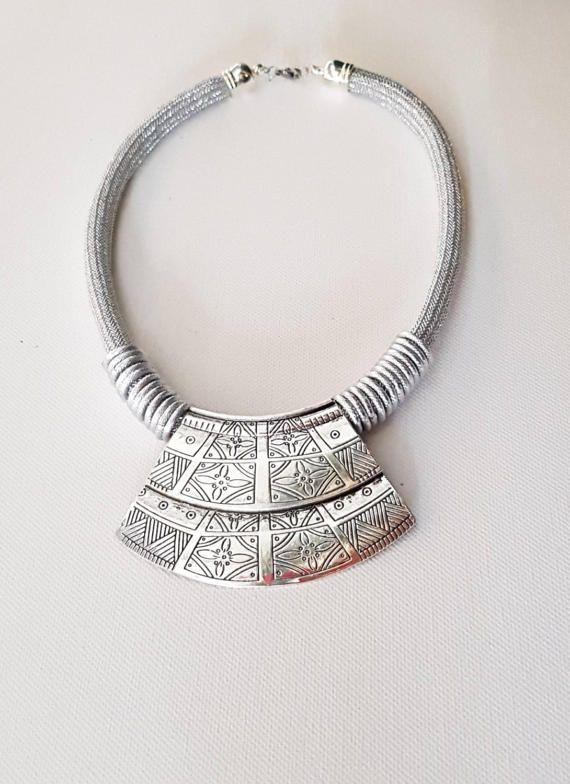 Guarda questo articolo nel mio negozio Etsy https://www.etsy.com/it/listing/518825017/necklaces-necklaces-medallion-necklaces