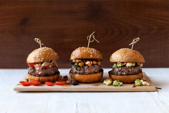 Spring has officially sprung now and we are preparing for the much anticipated sunshine with this recipe for magic mini burgers. So if you are planning a braai or spring party, these mini burgers will go down a treat.