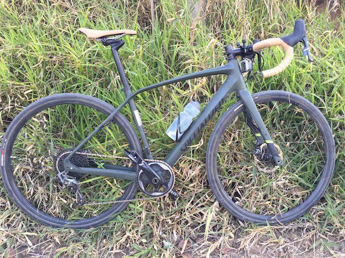 Hoje tive a oportunidade de testar pela primeira vez a Diverge, a bicicleta da modalidade Adventure Bike da Specialized. Muita gente acha que essa bicicleta tem o mesmo objetivo de uma bike de Cyclocross e na verdade elas tem proposta um pouco diferentes. A Adventure bike é uma bicicleta feita...