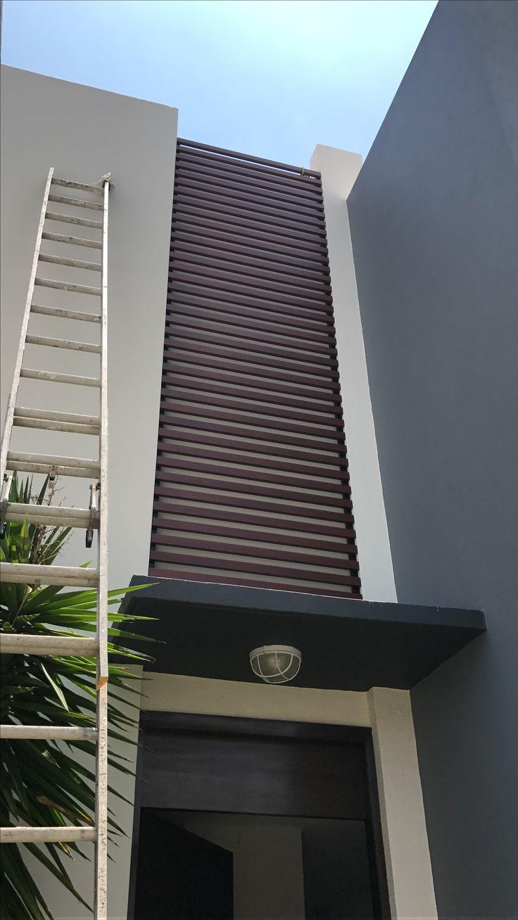 Celosía louvers,fabricada en aluminio imitación madera ,libre de mantenimiento