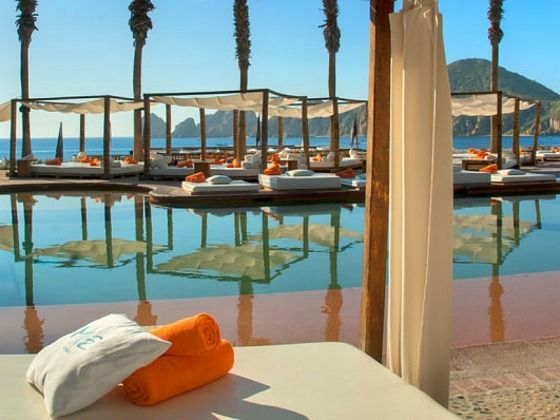 It S Hard To Find A Hipper Hotel Than Melia Me Cabo Situated On San