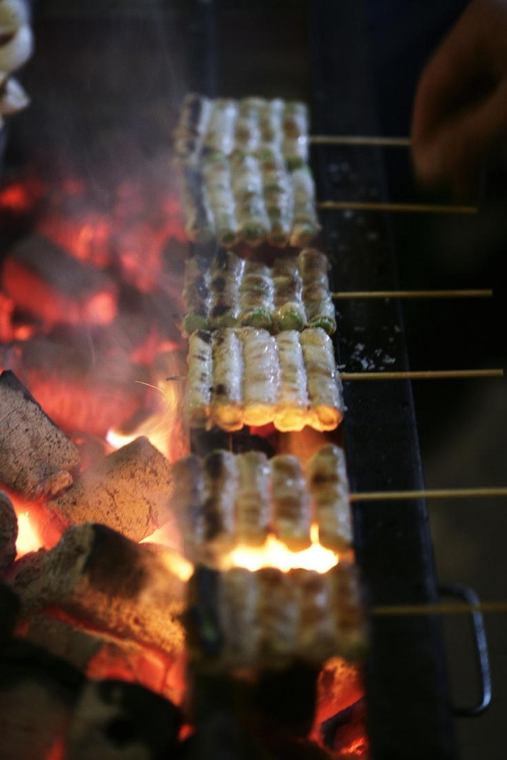 Asparamaki on the grill #sticksnsushi #yakitori #grill #sticks #coal #japanese #takeaway #copenhagen #hot #fire #asparamaki