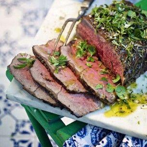 Helgrillad ryggbiff är fantastiskt gott och enkelt att göra. Servera med klyftpotatis eller en god sallad.
