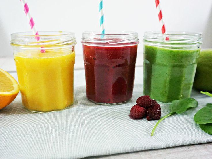 Detox leicht gemacht! Diese 3 Smoothies aus nur 3 Zutaten enthalten wertvolle Zutaten, die die Entgiftungsprozesse im Körper unterstützen.
