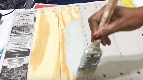 Женская краска Деревянные планки и легко создает гламурный деревенский декор.  Смотреть!  |  Проекты DIY Joy Проекты и ремесла