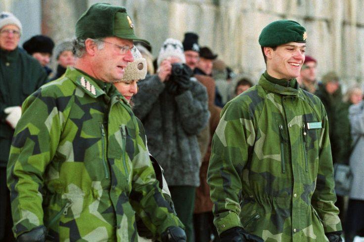 Le prince Carl Philip de Suède à l'armée, décembre 1999