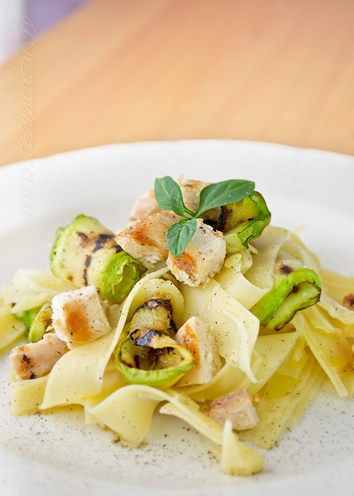 Pasta salad with chicken and zucchini