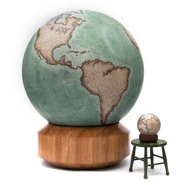 Tranh có hình ảnh quả địa cầu sẽ kích thích khả năng sáng tạo và tinh thần học hỏi của trẻ  #kidsroom #pictures #geomancy